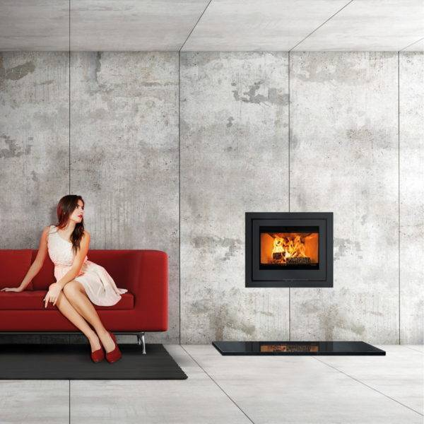 Di lusso R6 inset lit in stone wall